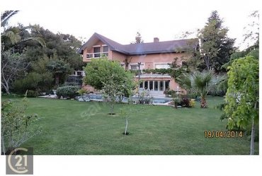 Urla Çamlıtepe Sit nde Eylül ve Ekim için kiralık bahce katı