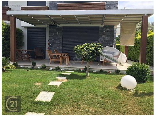 Ceşme Gemak Contry Evleri'nde Satılık Villa